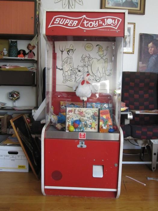 Toys N Joys : The allee willis museum of kitsch vintage super toy n