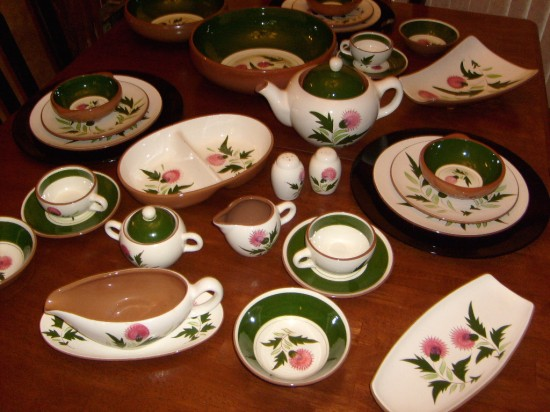 When it come to dishes I\u0027m a big dish queen! That is I have five different sets of dishware and I would have ten more sets if I had the room to ... & The Allee Willis Museum of Kitsch » Stangl Thistle Dinnerware